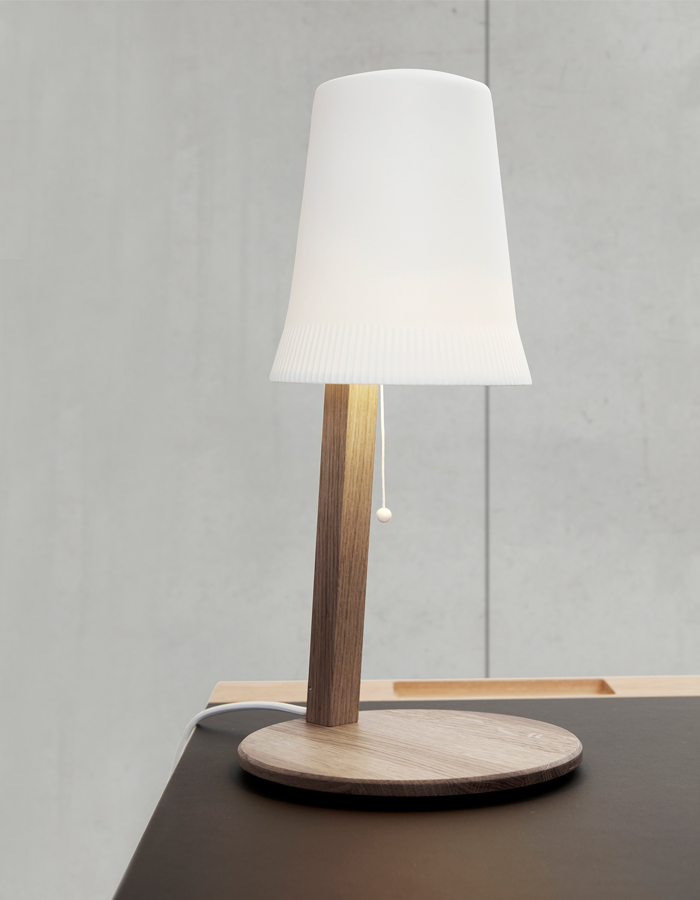 c2-table-lamp